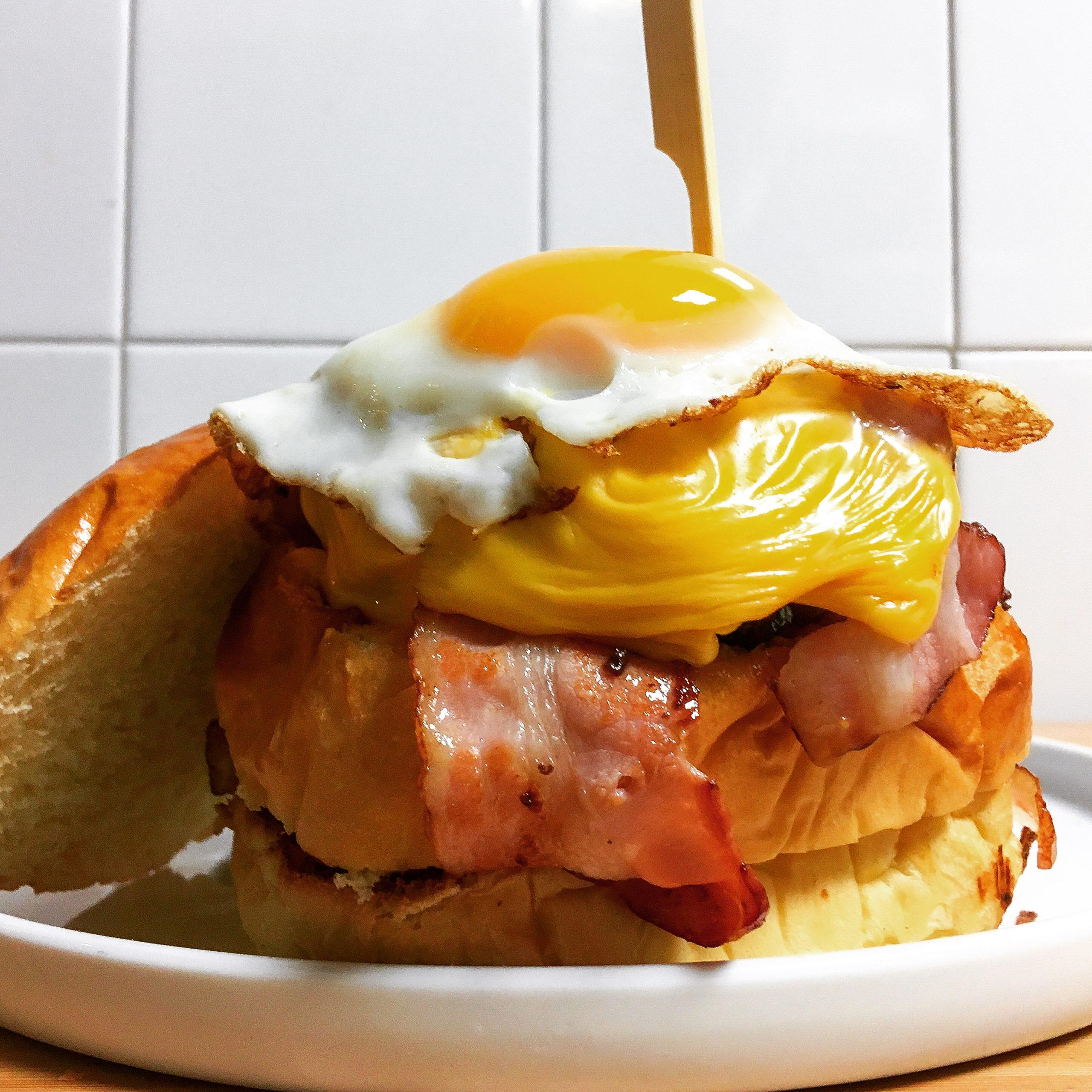Big Boy Burger ! Burgers ou Hamburgers originaux, généreux et gourmands fait maison au The Glue Pot, restaurant renommé situé à Reims.
